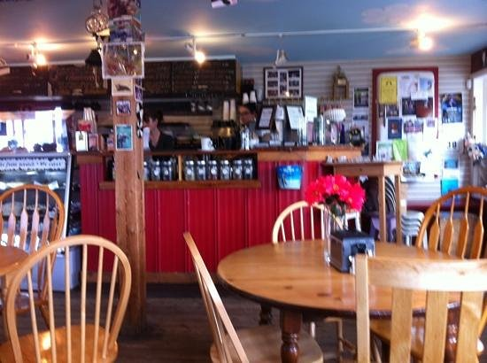 Cowpuccino's Coffee House: a cozy place to sip a latte!!