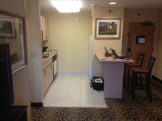 Hampton Inn and Suites Park City: Kitchen