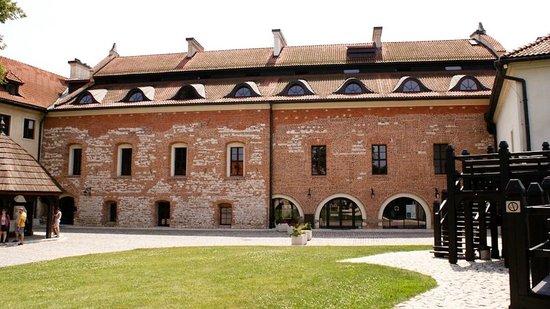Benedictine Abbey of Tyniec: Dziedziniec klasztoru w Tyńcu