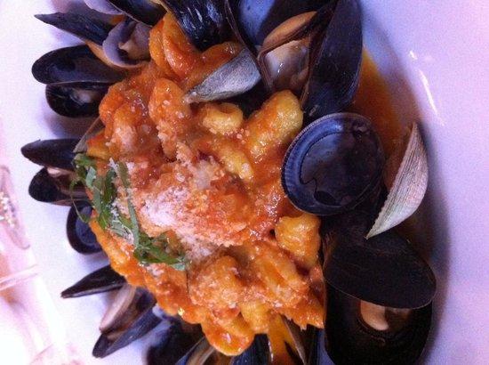 Spiga : Seafood-ringed pasta