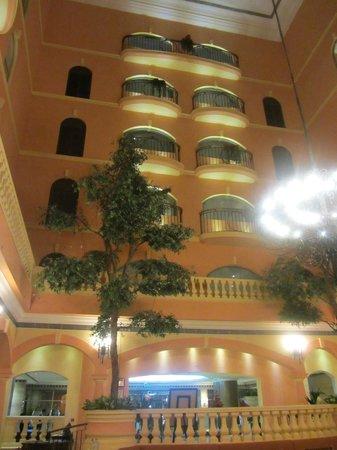 Grand Excelsior Hotel Deira: Internal Courtyard