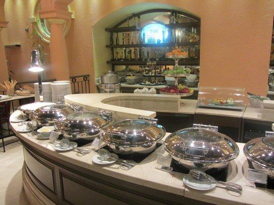 โรงแรมเชอราตัน เดรา: Buffet