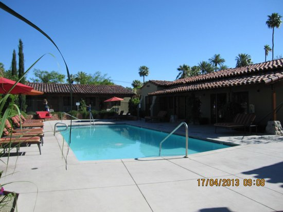 Los Arboles Hotel: Pool