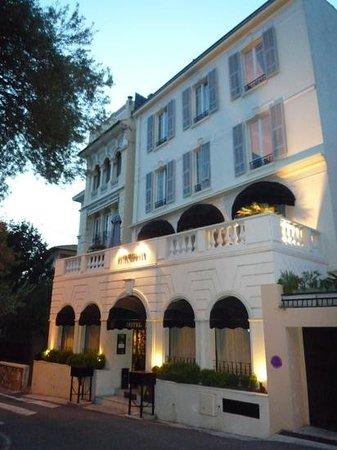 Hotel de Monaco : à la tombé de la nuit