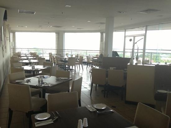 Promenade Hotel Tawau : Breakfast cafe