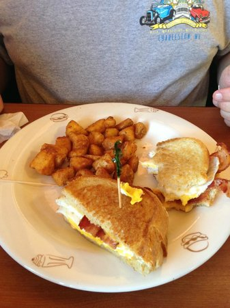 Friendly's: Breakfast sandwich with potatoes