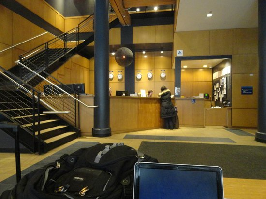 Hostelling International Chicago: Lobby