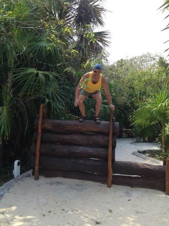 Hard Rock Hotel Riviera Maya: Jungle Gym separates family area from Adult area