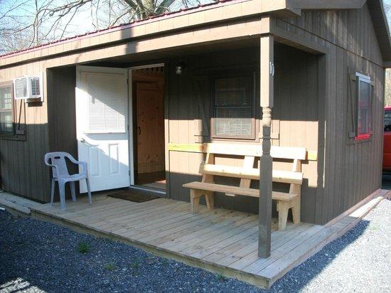 Artillery Ridge: front of cabin