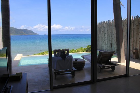Six Senses Con Dao: view from the bed to the pool and the sea
