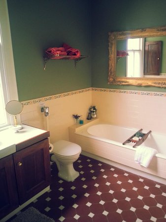 Bronte at Prospect Hill: Bathroom