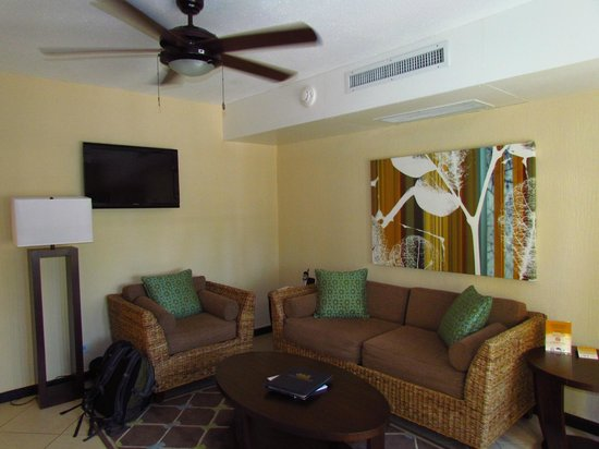Amsterdam Manor Beach Resort: living room