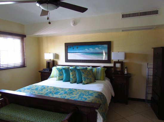 Amsterdam Manor Beach Resort: bedroom