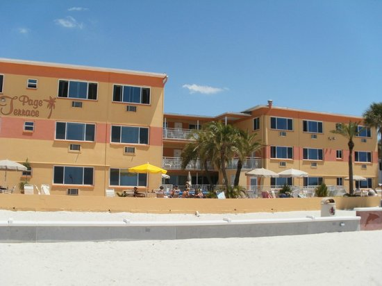 Page Terrace Beachfront Hotel: View of the Hotel from the Beach