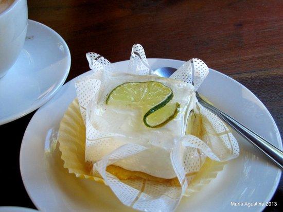 Golden Bread : cheese cake de limón .Ricoooo