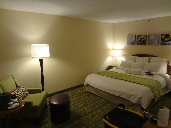 Huntsville Marriott: Bedroom