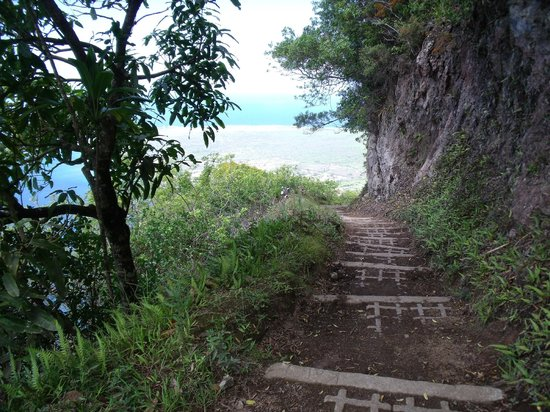 Kalaupapa National Historical Park : the trail