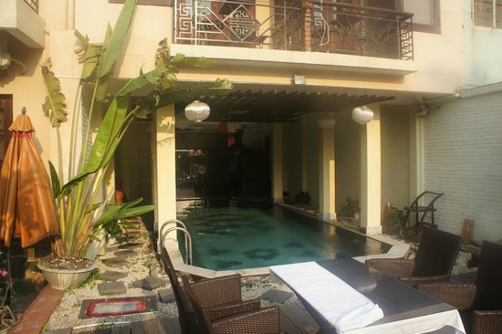 Thien Thanh Boutique Hotel: The pool and terrace