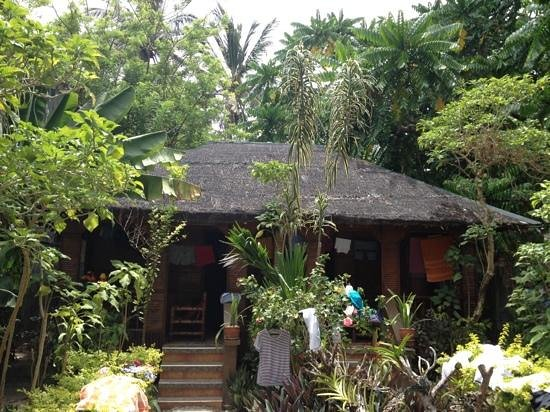 Ocean Breeze Inn Boracay: fan cottage