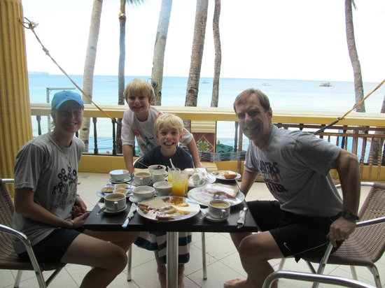 True Home Hotel, Boracay: Daily breakfast delivered to our balcony!