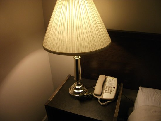 The Recreation Inn & Suites: Bedside