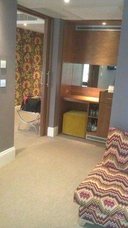 Rudding Park Hotel: Lounge Area - love love love the sofa!