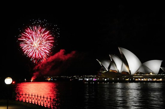 Park Hyatt Sydney: Watching nightly Fireworks on the Harbor from our room!