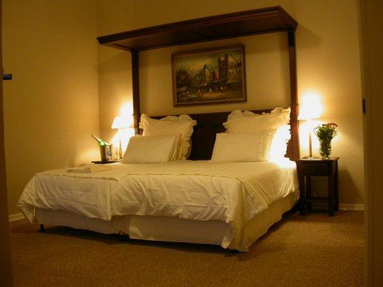 Egerton Manor: Room