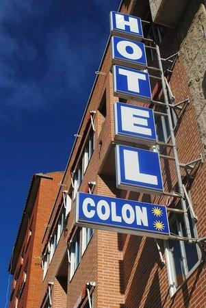 Hotel Colon 27 : Fachada