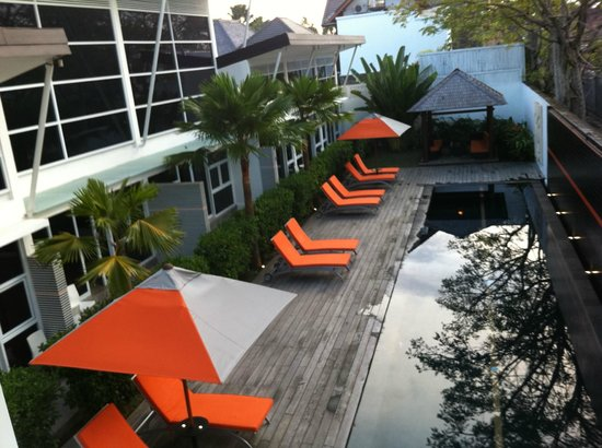 Bali Yarra Villas: All rooms and apartments face the pool