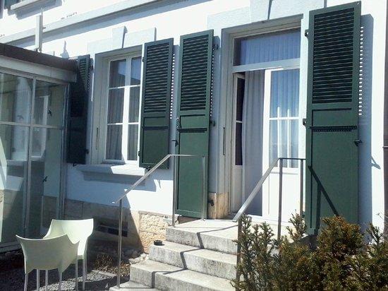 Hotel Le Funi de Cossonay: Zimmer Terrassenausgang