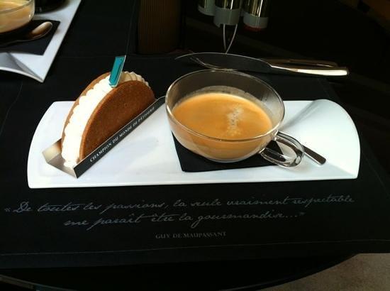 Five Seas Hotel Cannes: tarte tatin par Jerome De Oliveira