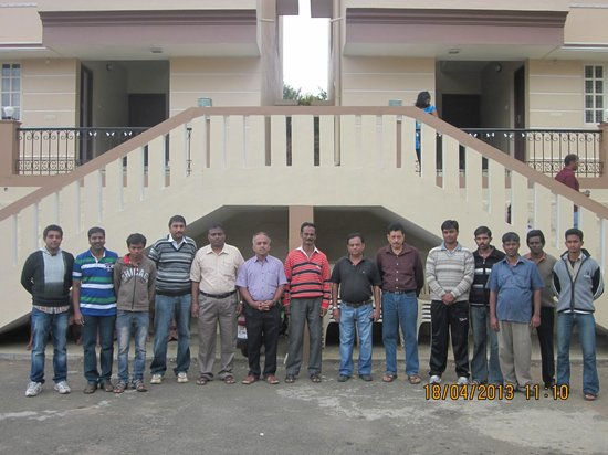 Delightz Inn: GROUP PHOTO WITH ALL STAFF MEMBERS