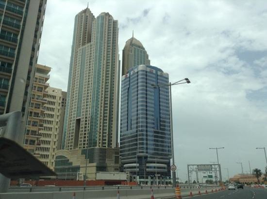 Sofitel Abu Dhabi Corniche: Impressive architecture! New York City feeling