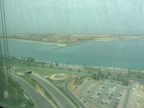 Sofitel Abu Dhabi Corniche: Corniche view