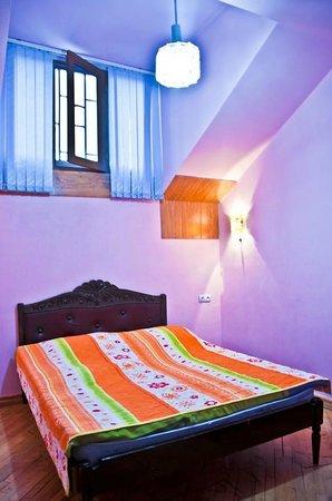 Penthouse Hotel & Hostel: Bedroom