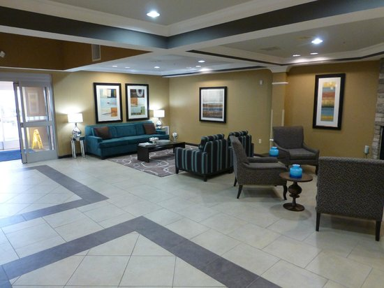 Holiday Inn Express Hotel & Suites Lake Elsinore: 2013-03 lobby