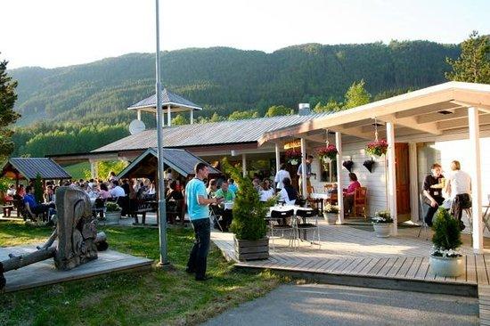 Kaupanger, Noruega: Restaurant Café Timber