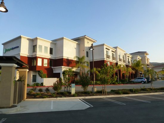 Holiday Inn Express Hotel & Suites Lake Elsinore: 2013-03