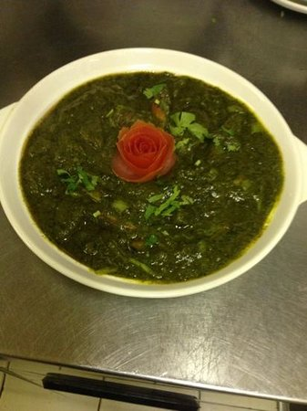 Dhonia Indian Cuisine: Tasty green chicken