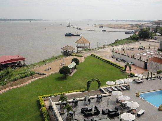 Hotel Cambodiana: vue depuis notre chambre