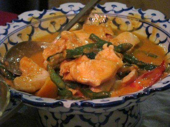 Ruen Thong: Pork with vegetables