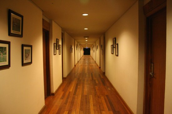 Belum Rainforest Resort: hallway