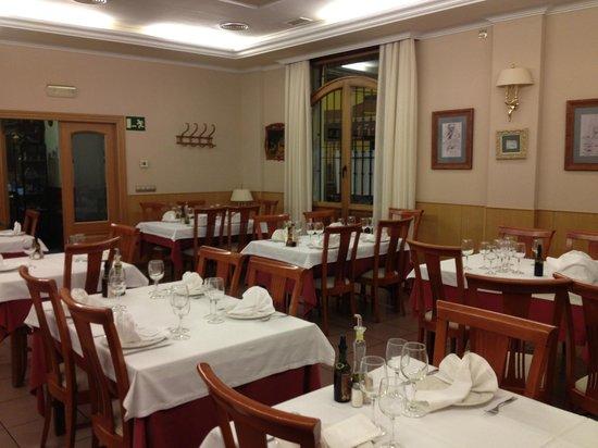 Restaurante Felipe: Nuestro Comedor. Donde nuestros clientes tienes su intimidad.