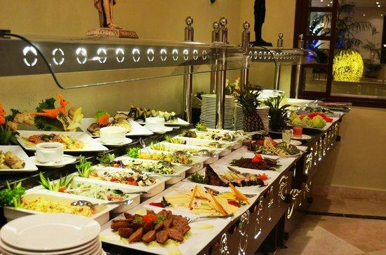 Dessole Holiday Taba Resort: Main Restaurant