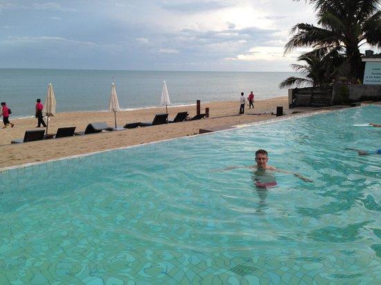 Lamai Wanta: Pool