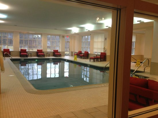 Hilton Pearl River: Swimming pool