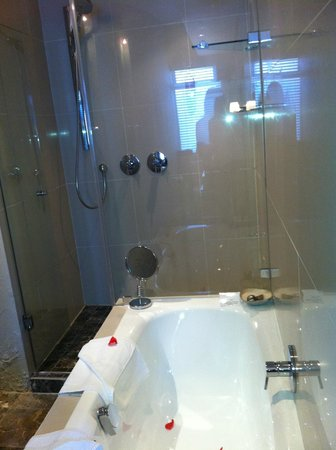 O on Kloof Boutique Hotel & Spa: room 7 bathroom