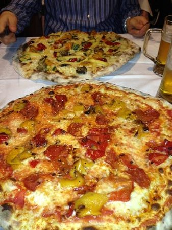 Pizzeria La Pendola: pizza del pirata + vegetariana