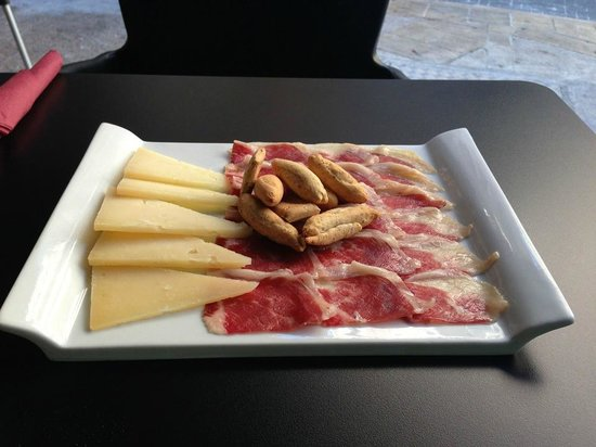 Pepita Pulgarcita: Plato de Iberico con queso